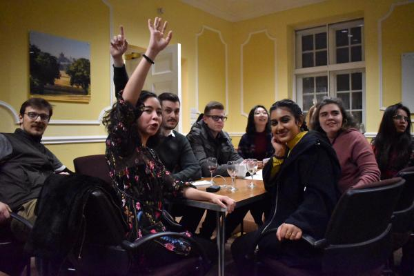 Students asking questions at a Cumberland Lodge study retreat
